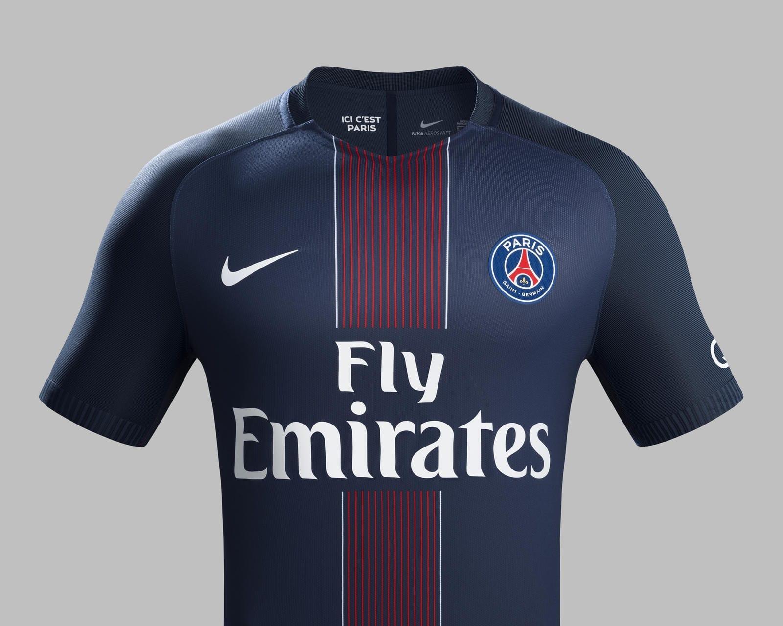 Maillot domicile 2016 - 2017 porté par le PSG