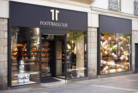 11footballclub aime prendre soin de ses fans sur facebook. Black Bedroom Furniture Sets. Home Design Ideas