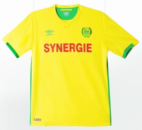Maillot domicile 2016 - 2017 porté par le FC Nantes