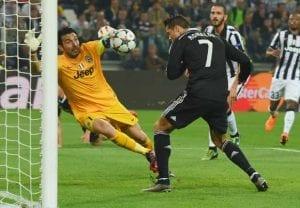 Ronado vs Buffon