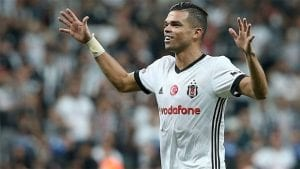 pape-ligue-des-champions-besiktas
